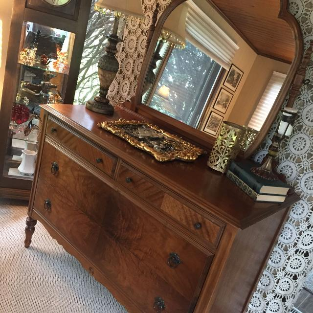 Find More Antique Dresser With Swinging Mirror 22xx48x34 Cp Could