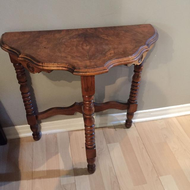 Find More Vintage 3 Legged Table For