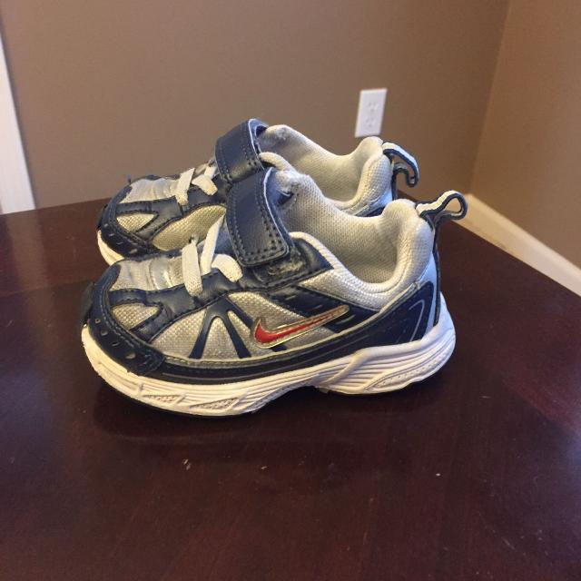 Best Boys Nike Tennis Shoes-size 5 for sale in Gardner 3b70aeb98