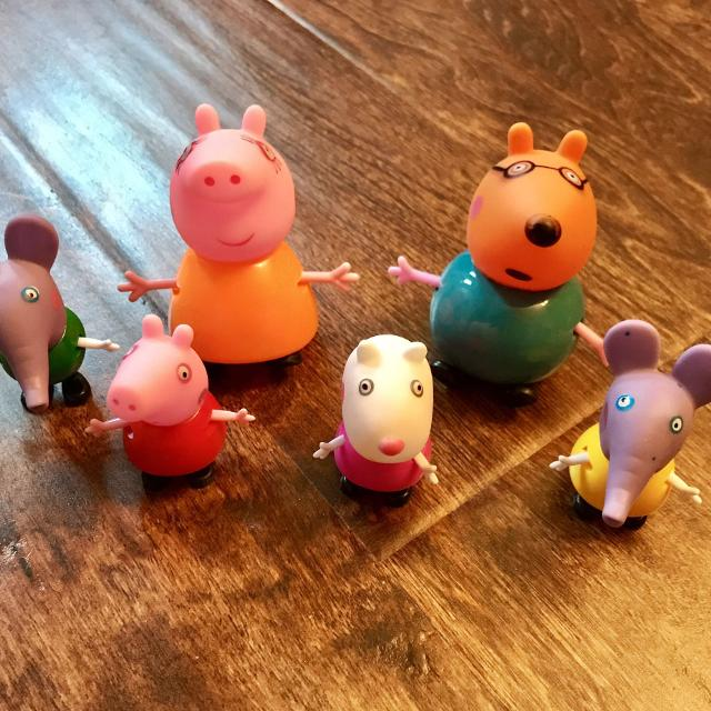 Peppa Pig Figurines Edmond Emily Elephant Mummy Pig Mr Pony Peppa Suzy Sheep All New Other Characters Available Price Is For Set