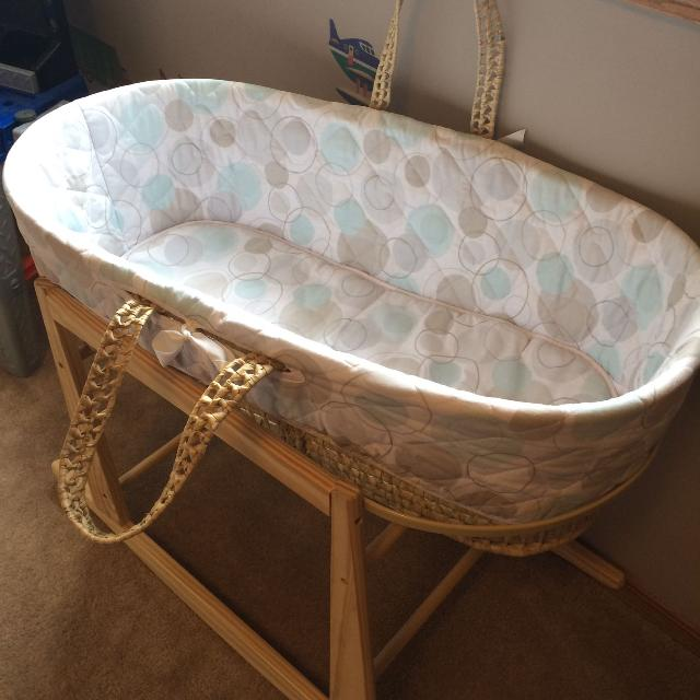 Find More Kidicomfort Bassinet And Wooden Stand For Sale At Up To 90